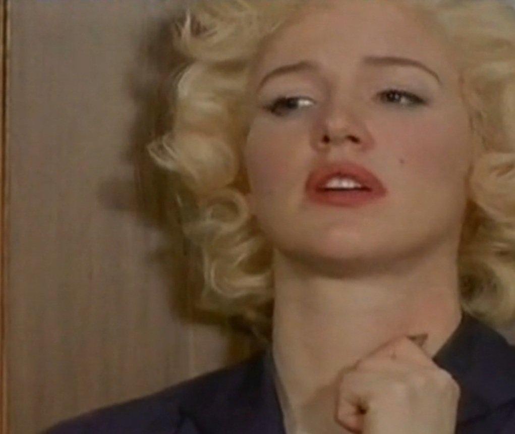 Фільм страстная блондинка 29 фотография