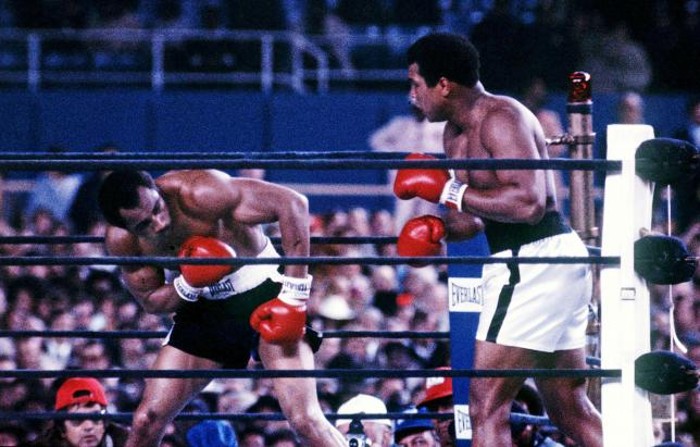Muhammad Ali (R) fights Ken Norton at Yankee Stadium in the third fight between the two heavyweights in New York City, New York, U.S., September 28,1976. Mandatory Credit: Action Images / MSI/File Photo EDITORIAL USE ONLY.