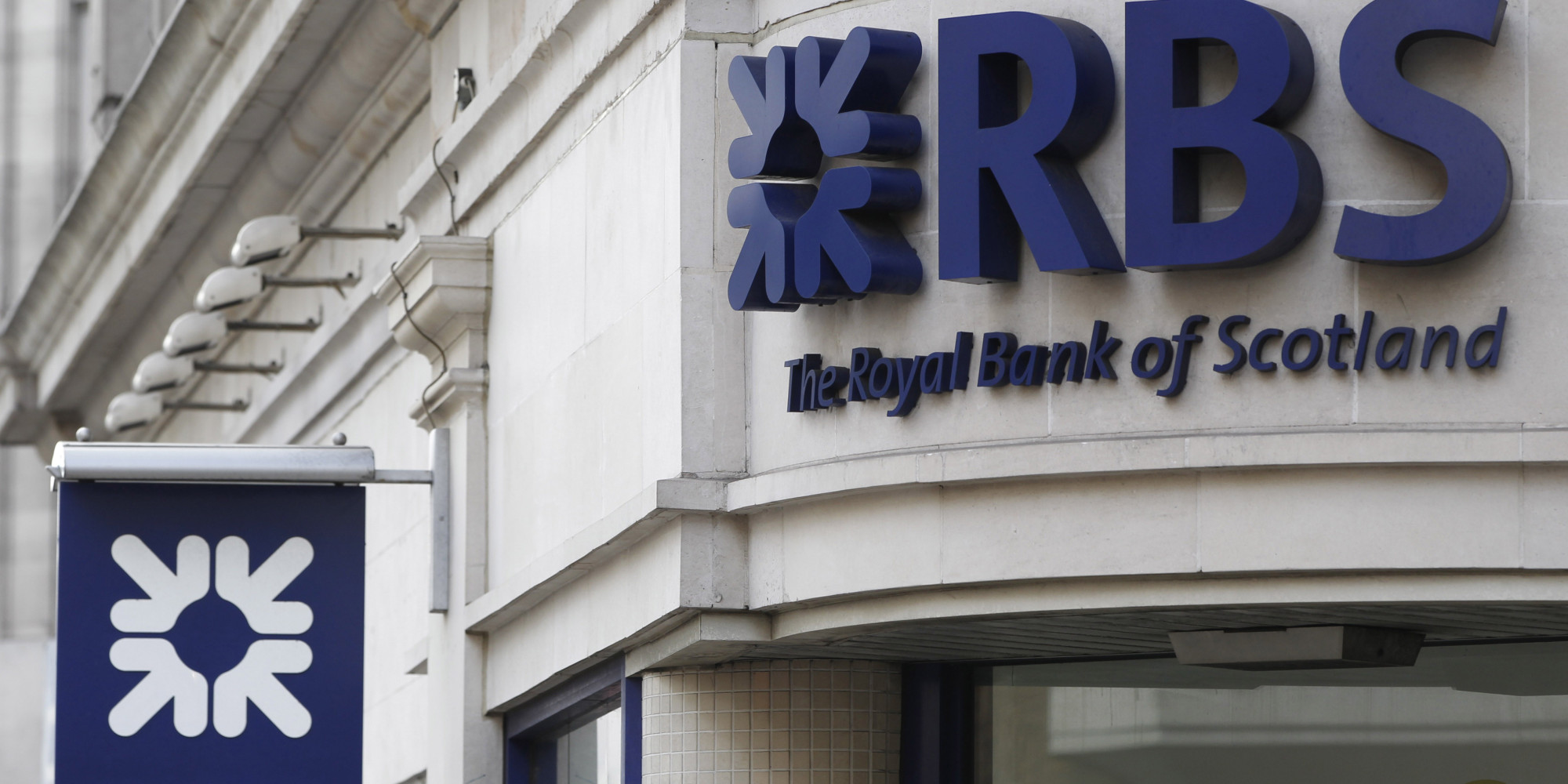 royal bank of scotland essay Royal bank of scotland is a uk based banking and financial services provider with operations in uk and ireland where it operates as ulster bank in england, it operates as the natwest brand while in scotland, it is still rbs where it has been serving scottish customers since 1727.
