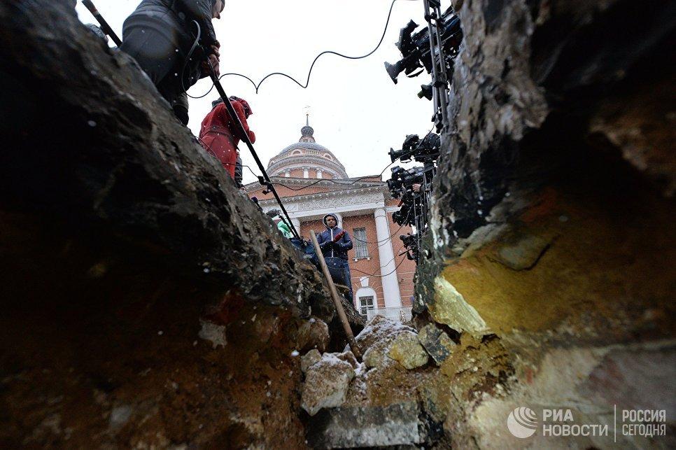 Более ста археологических находок сделано в москве с начала .