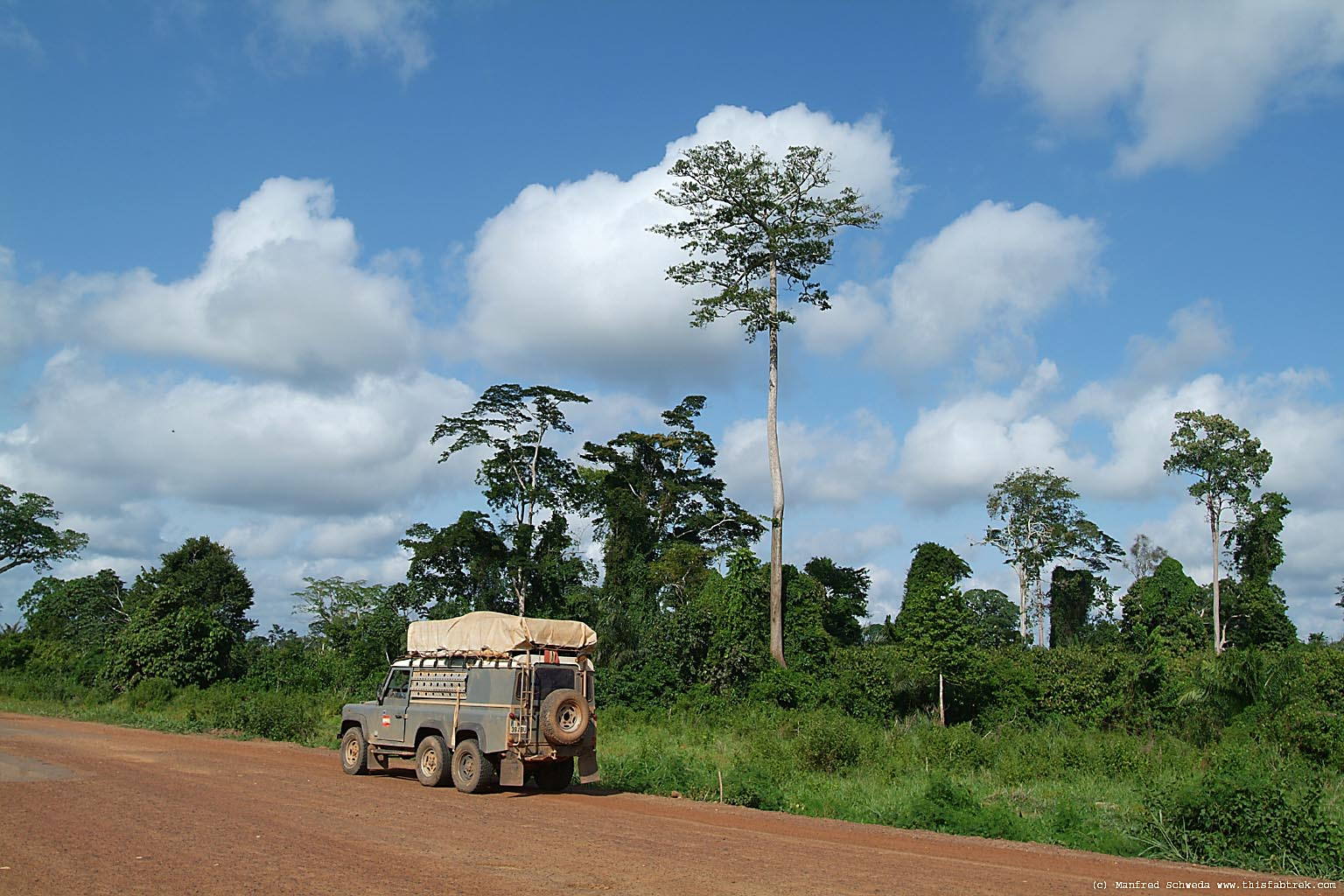 6x6 Land Rover in Cote d'Ivoire. No trees.