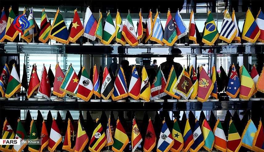 عدد اخر من مسؤولي مختلف الدول يصلون طهران