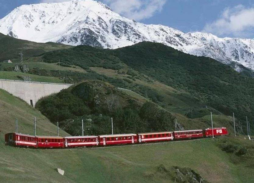 Switzerland-train-mountain