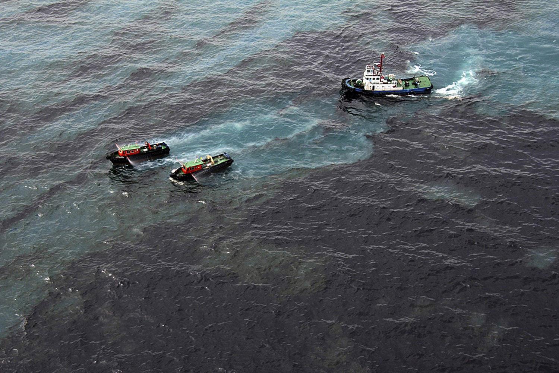 картинки разлива нефти на воде